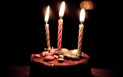 Terzo compleanno, vuoi una fetta di torta?